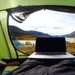 Lavorare viaggiando: come costruirsi una professione digitale