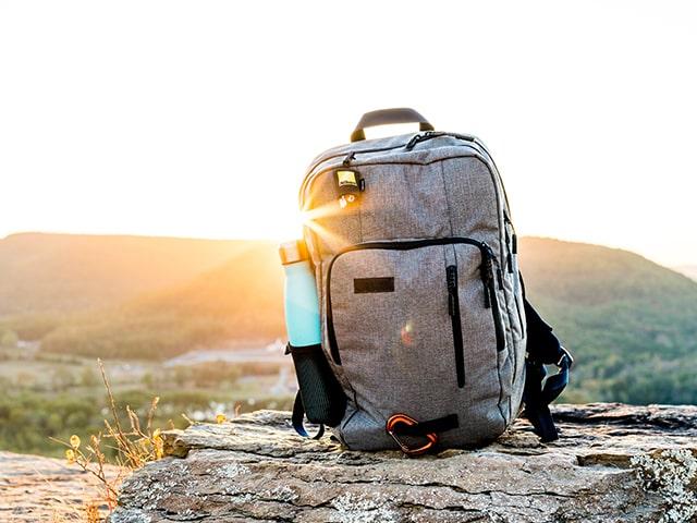 Viaggi zaino in spalla 10 cose must have